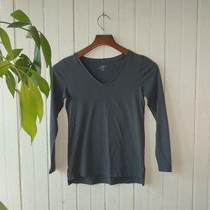 LOFT Petite gray v-neck long sleeve tee XXSP